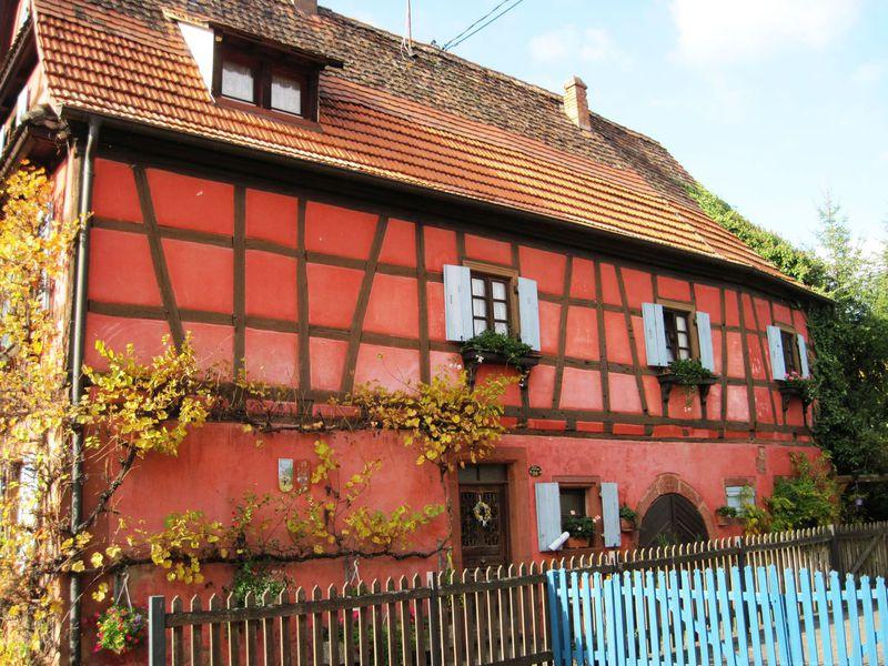 Rote Häuser Bilder vergessene heimat das rote haus